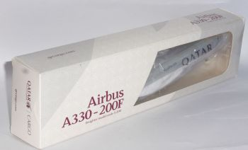 Airbus A330-200 Qatar Airways Cargo Risesoon Skymarks Collectors Model 1:200 EJ